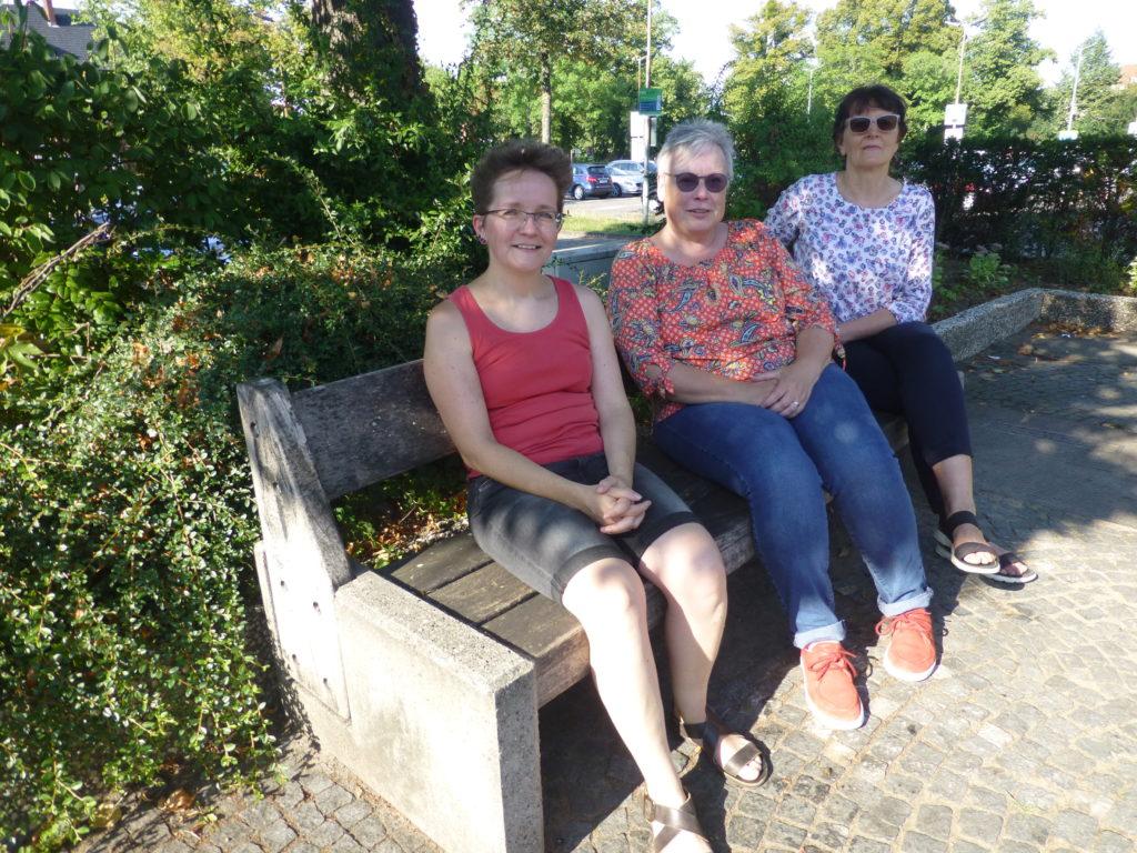 Der Vorstand der IpF. V.l.: Dr. Petra Spona, Susanne Lenz, Gerda Klusmeier. Foto: privat/IpF